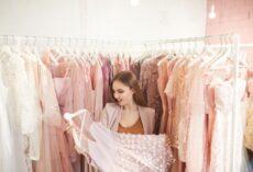 Na jakie elementy warto zwracać uwagę, wybierając sukienki?